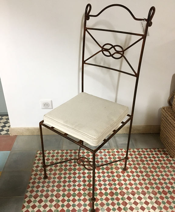 Chaise - mobilier