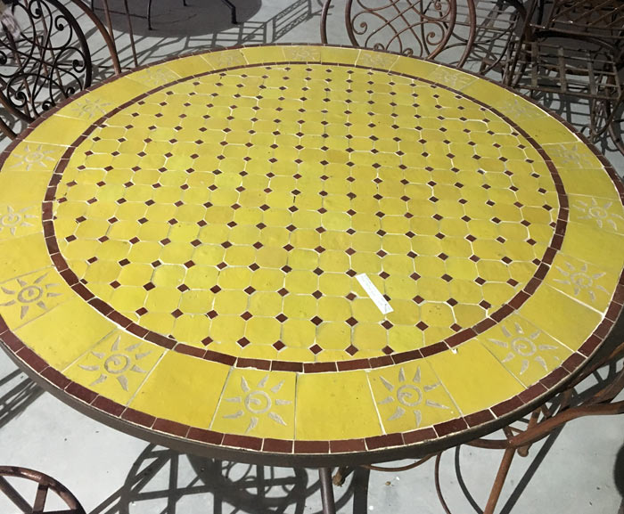 Table en zelllige ronde