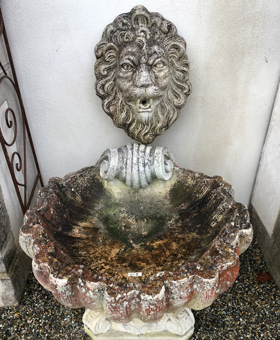 fontaine ancienne